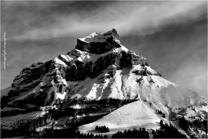 """La montagne """"Hahnen"""""""