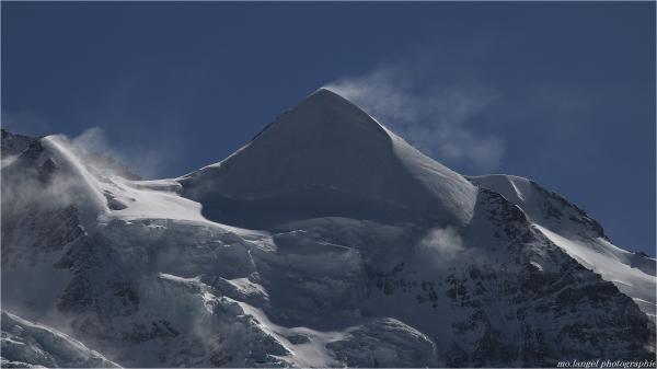 Le vent dans la montagne