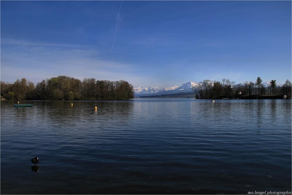 Le lac et les montagnes