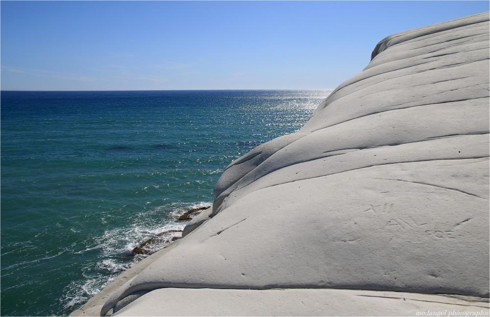 Le rocher blanc
