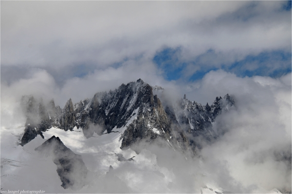 Dans les nuages