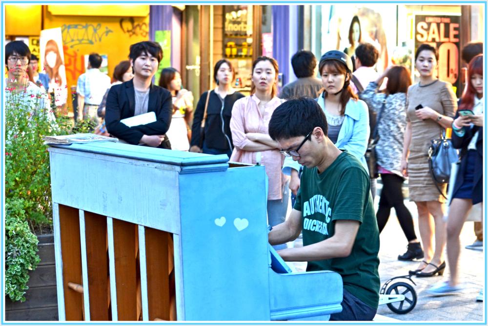 street pianist
