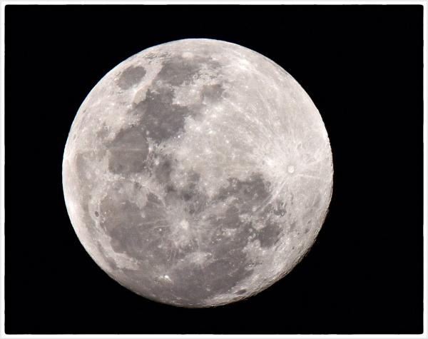 Full moon on Moon Festival night in Sydney