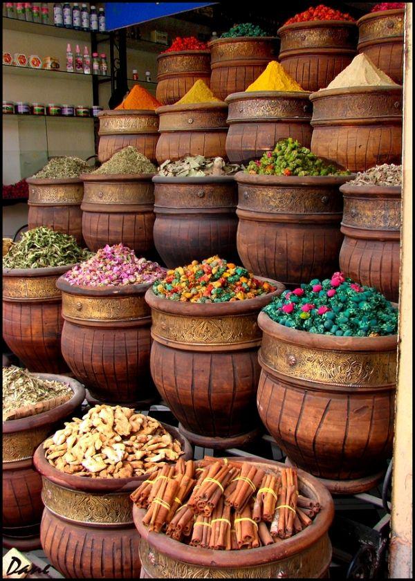 marché aux épices dans la vallée de l'Ourika