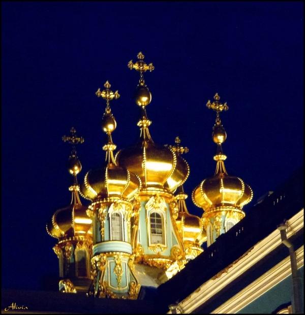bulbes des églises en Russie