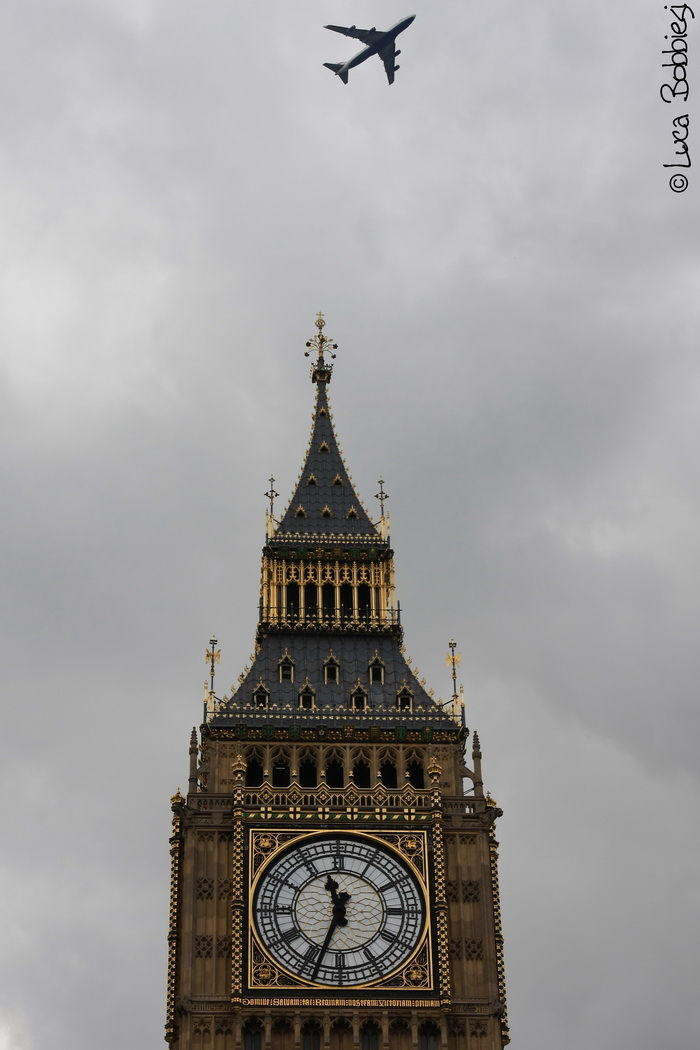 Flying over the Big Ben