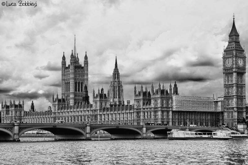 Westminster Bridge & House of Parliament