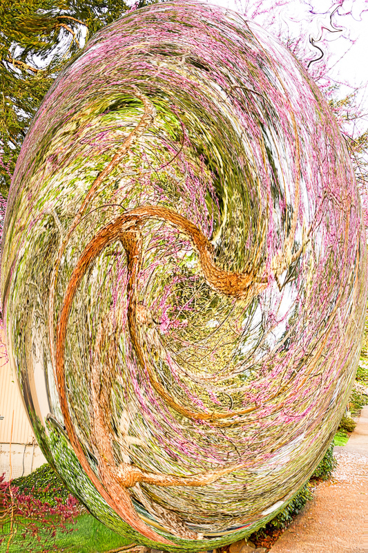 Up the Street Twirl + Spherize