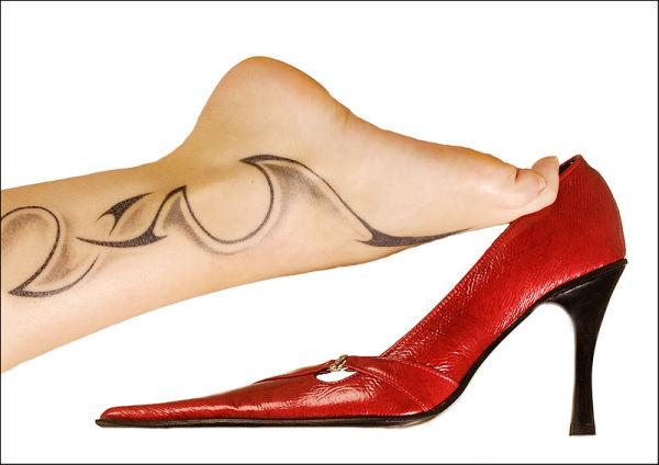 Shoe & leg by DenisSm