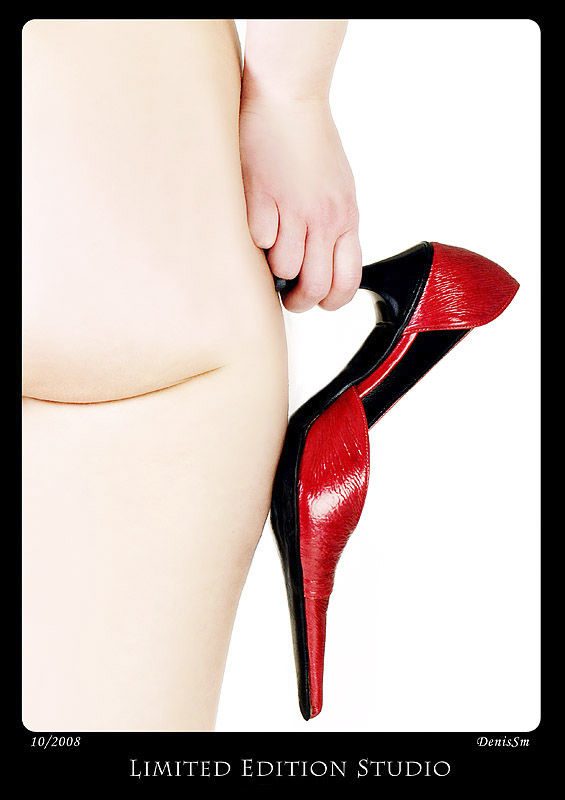 Red shoe by DenisSm