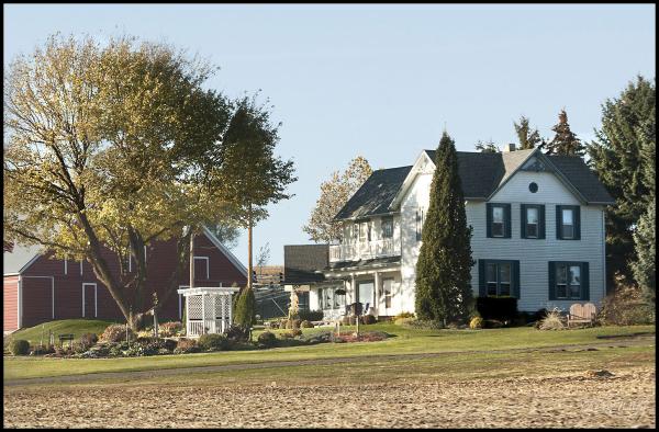 Nice Yard Farm