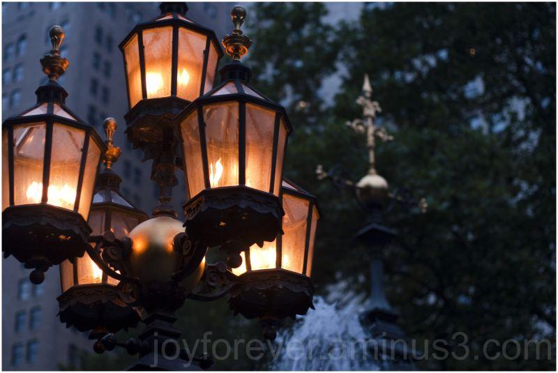 fountain city-hall-park new-york-city lamp