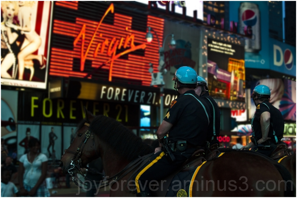 Times-square Virgin-Records Policemen Horse NYC