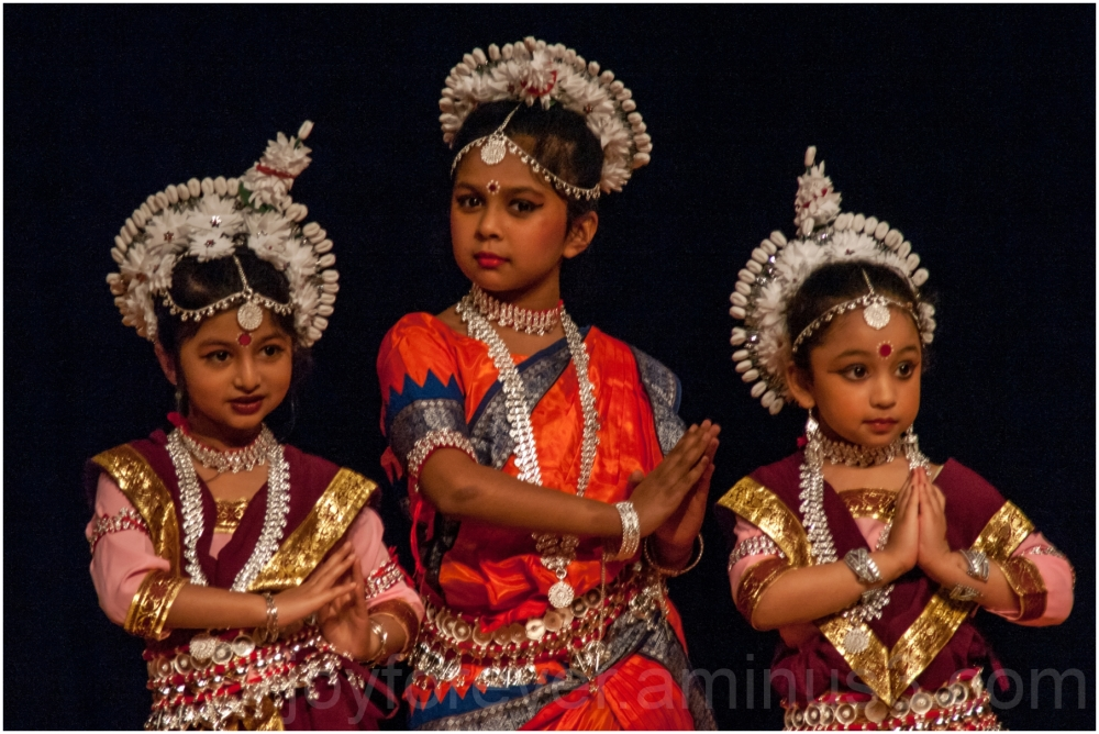 dance Indian classical Odissi girls dancers