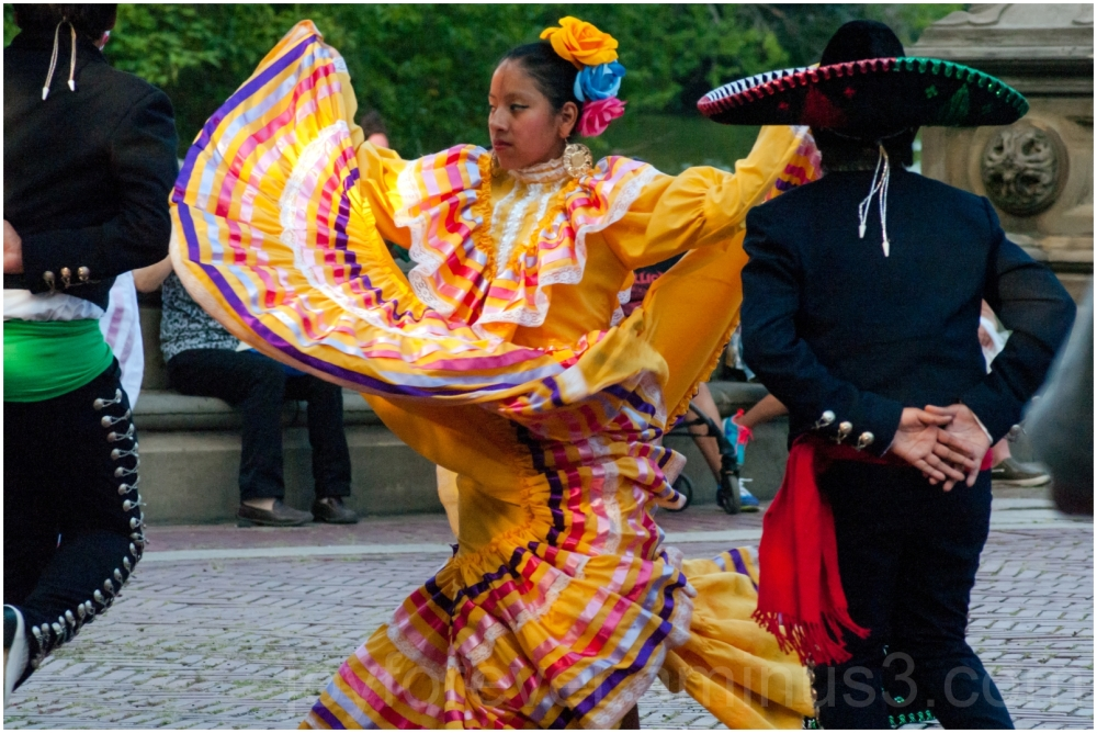 Mexican dancer girl Central-Park NYC Bethesda