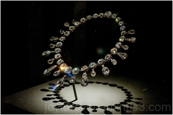 necklace diamond gem jewelry Smithsonian museum DC