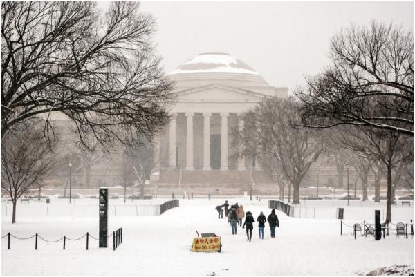 Washington DC Smithsonian snowstorm National-Mall