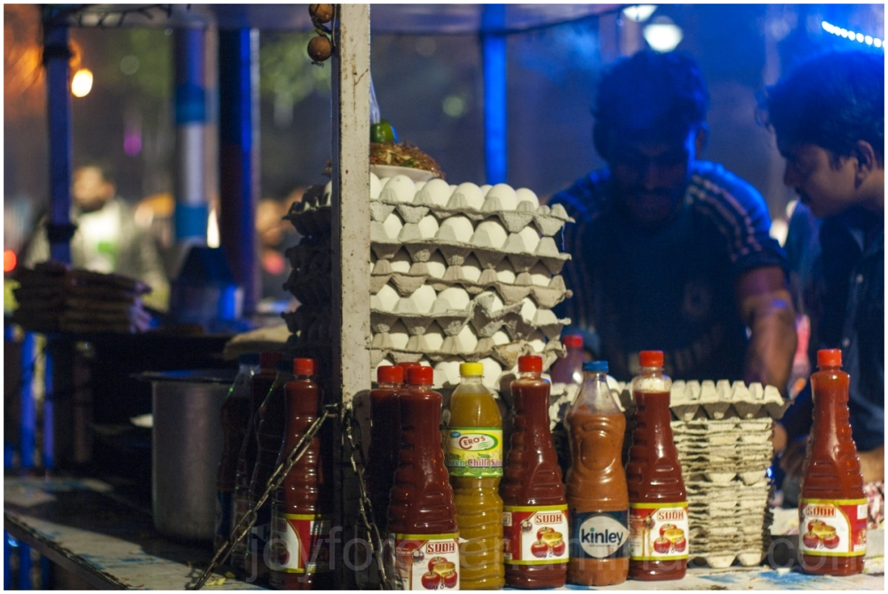 Street food Kolkata India eggs eggroll night