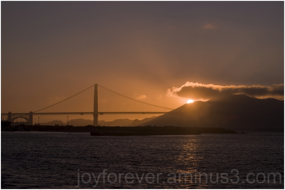 sunset GoldenGateBridge SanFrancisco California