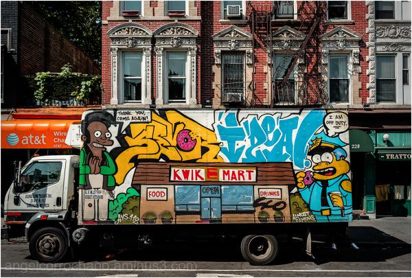 El camión de reparto de donut