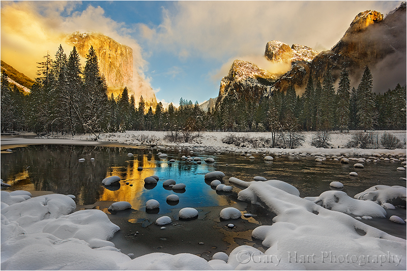Snow blankets Yosemite Valley