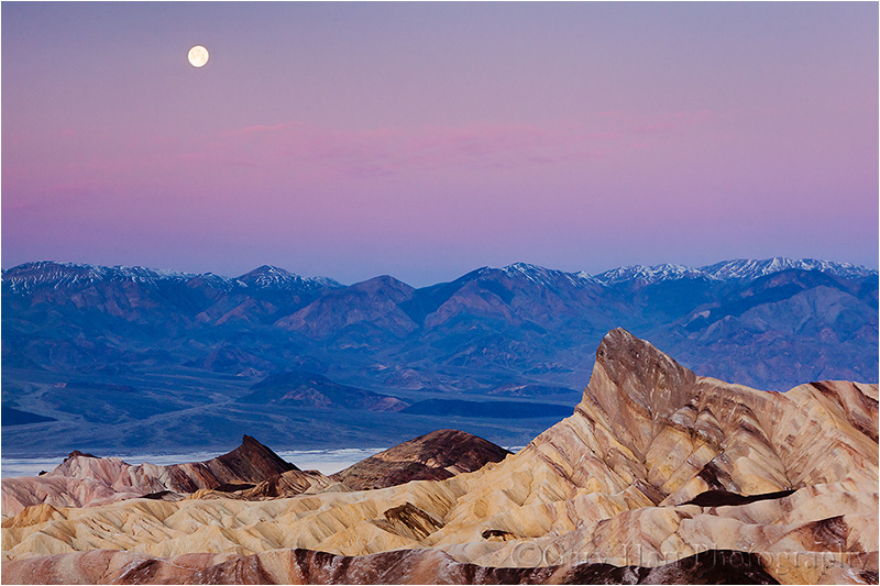 Moon setting in the pre-dawn sky, Death Valley