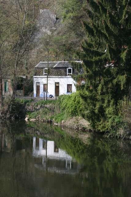 la maison au bord de l 39 eau landscape rural photos le photoneur. Black Bedroom Furniture Sets. Home Design Ideas
