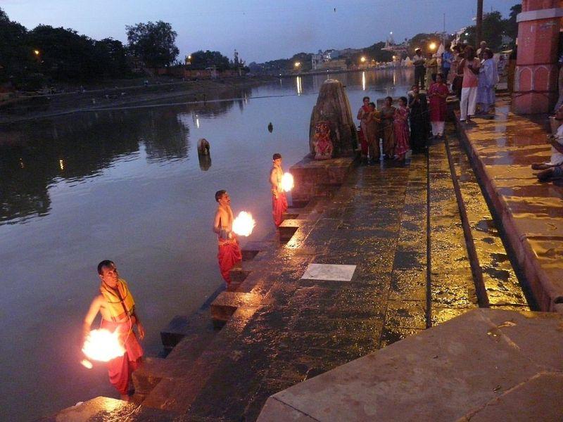 Puja in Ujjain (fête de la lumière)