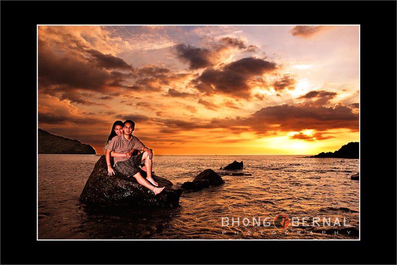 Couple at Anawangin