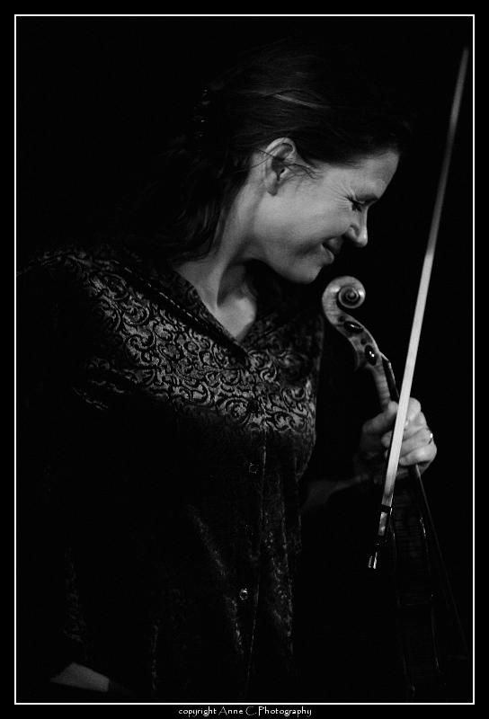 Line, Minino Garay, Chat Noir, Live, Music, scène,