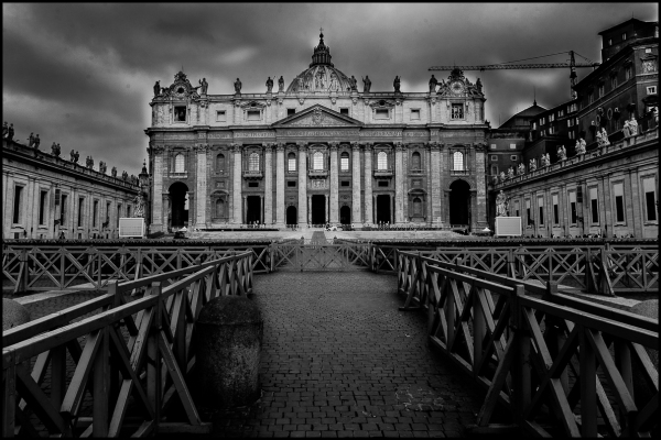 St. Peters basilica in black and white