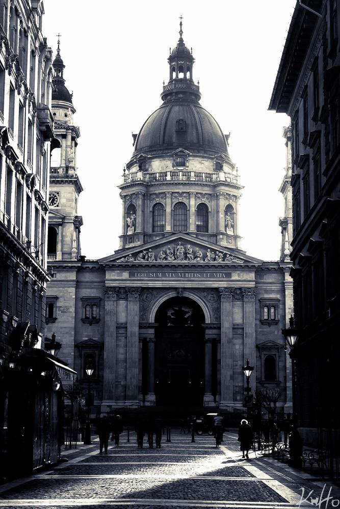 Lady walking through Budapest