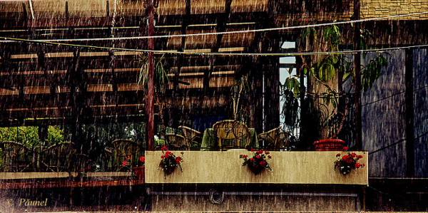 "It""s raining"