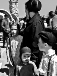Amish Family at St.Jacobs Market