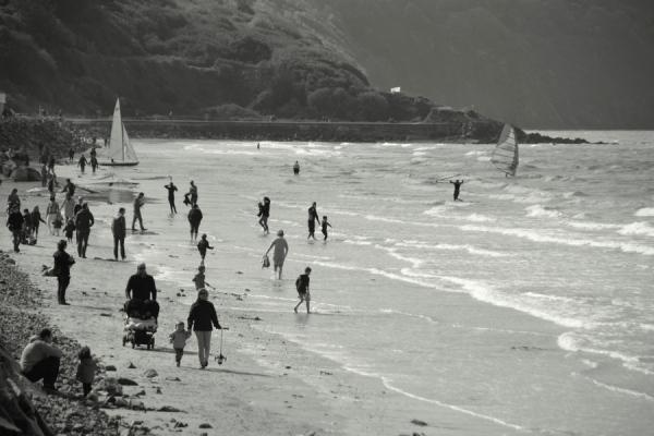 La plage fourmille en famille