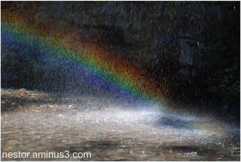 il pleut un arc en ciel ....