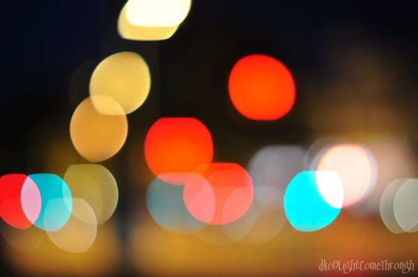 traffic bokeh lights