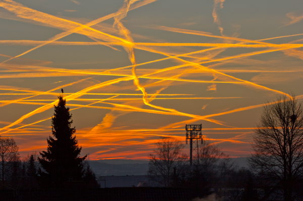 When Planes paint the Sky
