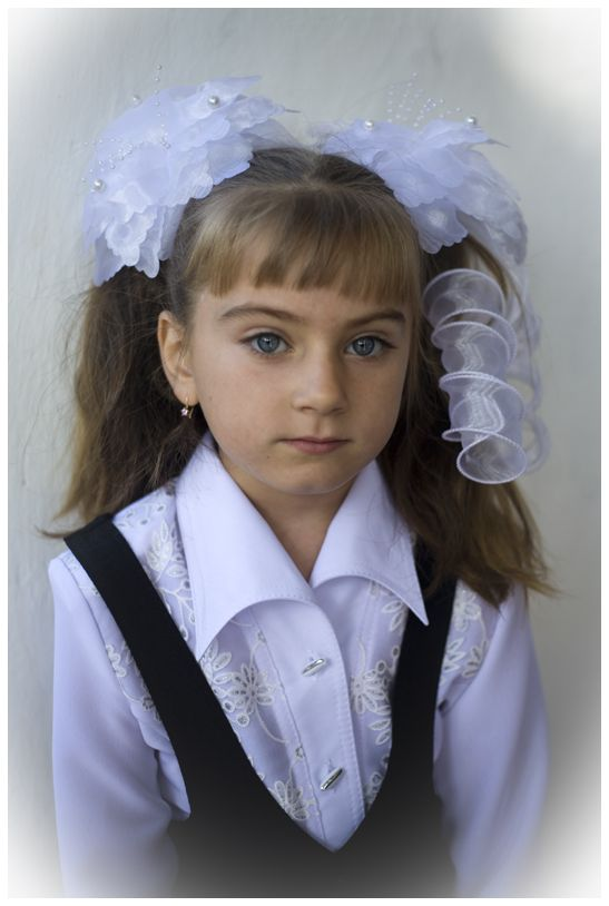 girl in Ukraine, schoolstart