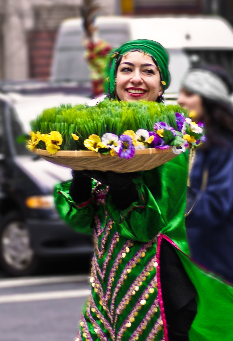 lady smile grass green nowrooz nowruz NYC NY new-y