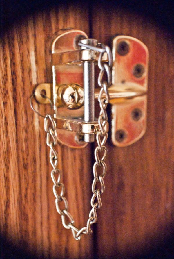 lock closed door