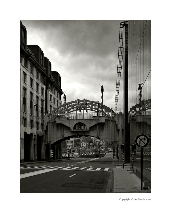 Bridge over Belliardstraat, Brussels