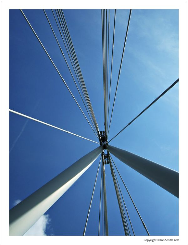 Golden Jubilee Bridge detail