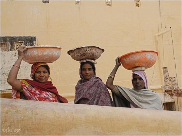 La semaine de la femme: les porteuses de terre