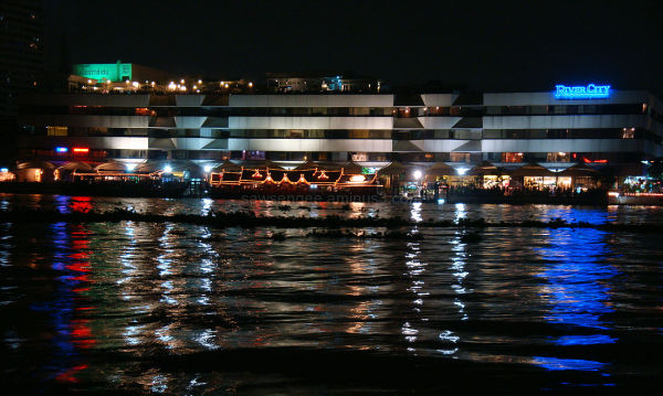 bangkok rivercity nightview lights reflection chao