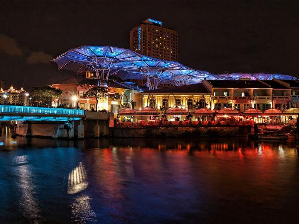 singapore clark quay nightscene