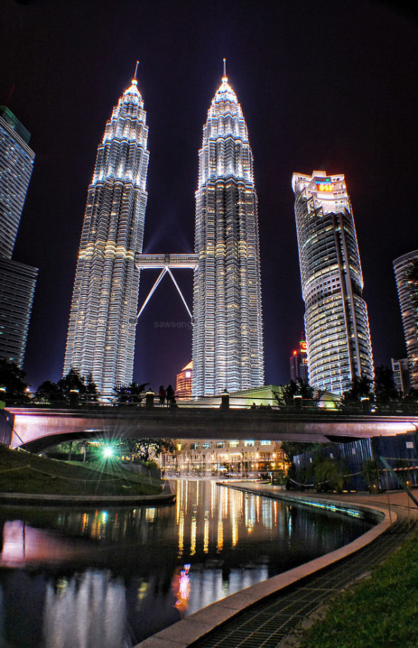 Petronas towers KLCC park fountains lake nightview
