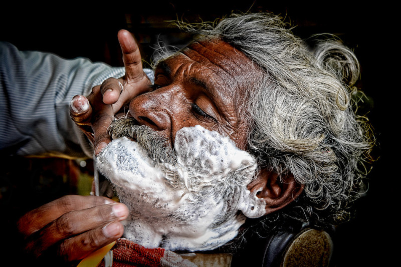 portrait client barber grooming Jaiselmer India
