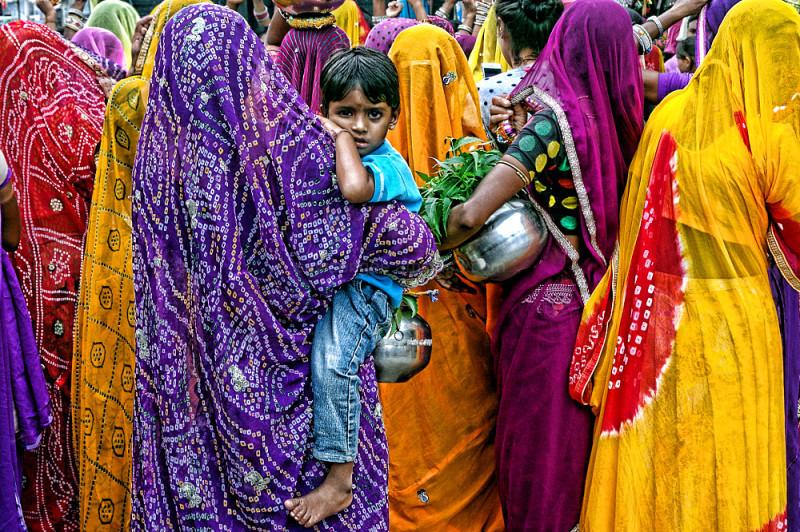 sawan festival colours Rajasthan Pushkar street