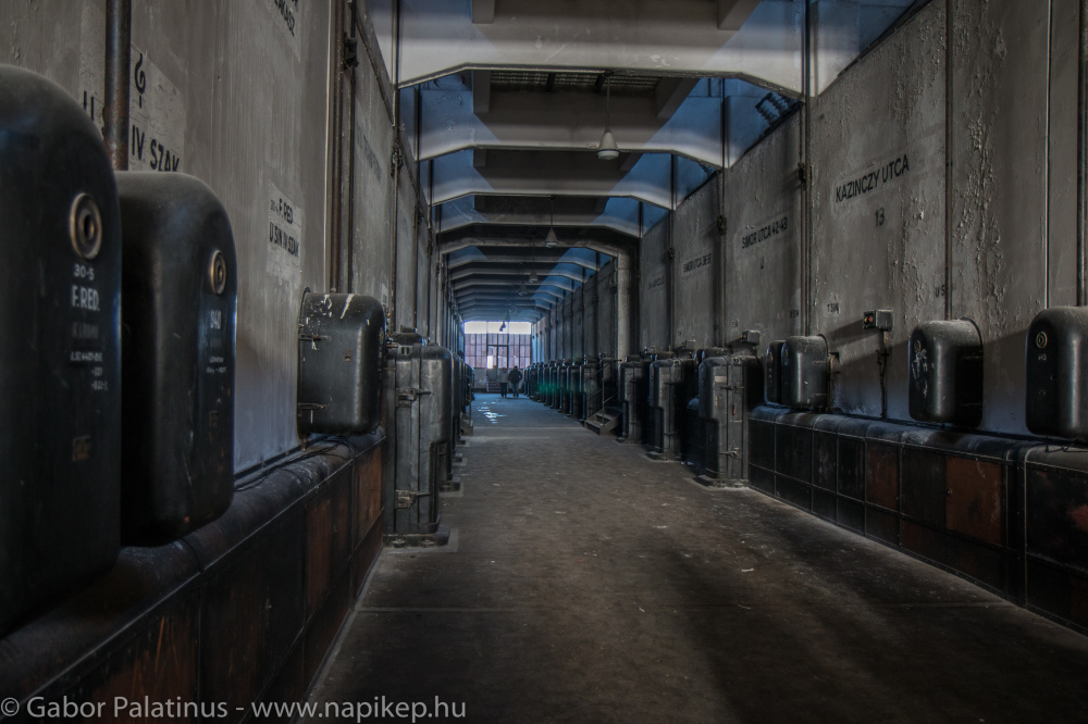 Kelenföld series - sarcophagus corridor